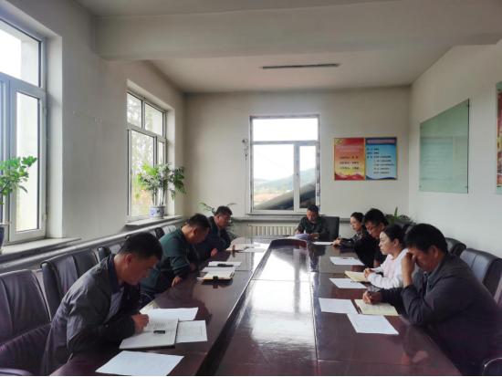 桦树镇党委开展《习近平谈治国理政》第三卷专题学习活动